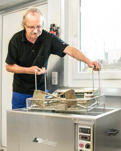 Wartung von Großküchengeräten